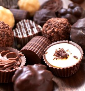 Send Diwali Cakes Chocolates Sweets Dry Fruits to Nussi