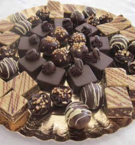 Send Diwali Chocolates Cakes Sweets Dry Fruits to MalwalSend Diwali Chocolates Cakes Sweets Dry Fruits to Malwal