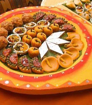 Send Diwali Cakes Chocolates Sweets Dry Fruits to Kuapur