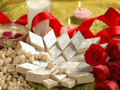Send Diwali Cakes Chocolates Sweets Dry Fruits to Purhiran