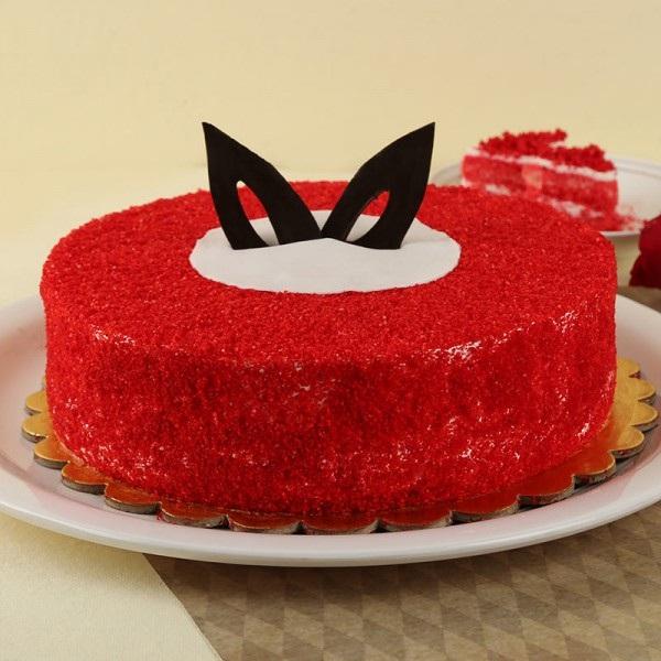 Superb Round Red Velvet Cake Half Kg Premium Quality Kalpa Florist Funny Birthday Cards Online Hendilapandamsfinfo
